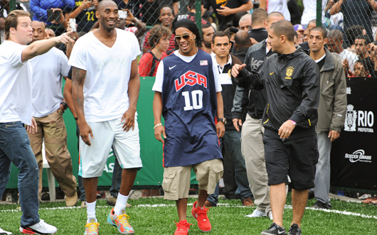 Kobe Bryant and Ronaldinho - 2015